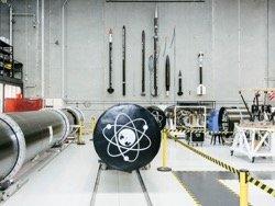 Новозеландец сделал дешёвую ракету из углеволокна и будет запускать мини-спутники