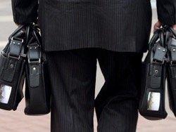 Красноярские депутаты перед каникулами подняли себе зарплаты в два раза