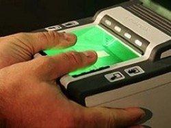 Закон о снятии отпечатков пальцев у всех иностранцев могут принять уже осенью