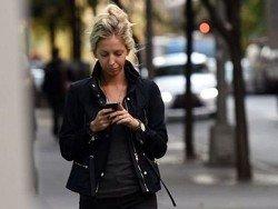 """На Гавайях приняли закон против """"смартфонных зомби"""""""