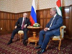 Путин гарантировал Абхазии безопасность и независимость