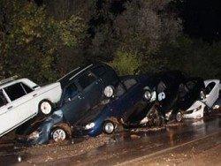 Непогода в Крыму: в горах смывало автомобили