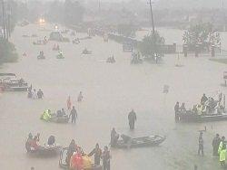 Uber бесплатно отвезет пострадавших от шторма в Хьюстоне в убежища