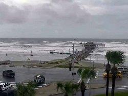 Из-за урагана более 15 тысяч пассажиров круизных судов не смогут вернуться в Техас
