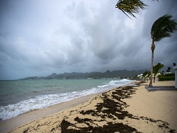 Мощный ураган приближается к берегам Флориды