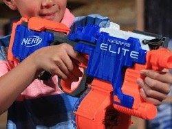 Nerf - детское оружие, опасное для глаз, предупреждают врачи