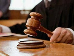 """""""Бабушки не должны искать деньги на адвокатов"""": юрист о поправках, которые предлагает Верховный суд"""