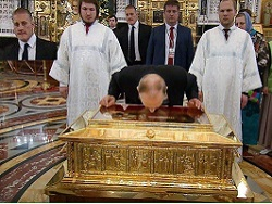 "В Москву привезли не те мощи? С помощью ""георадара"" ищут могилу Николая Чудотворца"