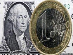 Доллары из России начали вывозить вагонами
