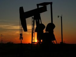 А рубль все крепче: Россия берет убедительный реванш в нефтяной войне с США