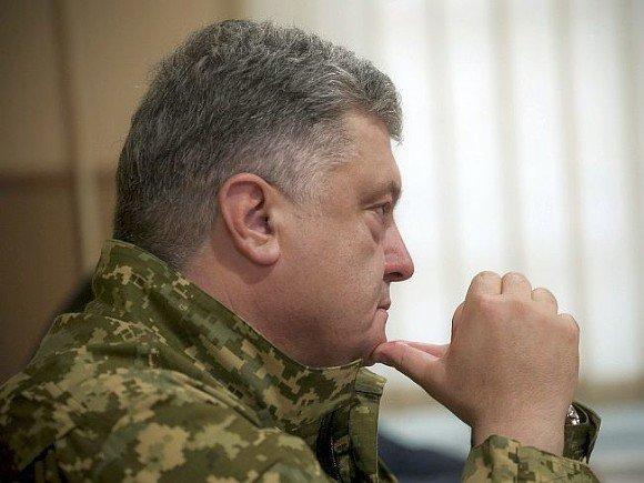 """Порошенко поблагодарил США за """"стабильность"""" в Донбассе"""