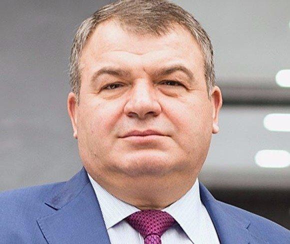 Анатолий Сердюков сменил Евгению Васильеву на посту секретаря ТСЖ
