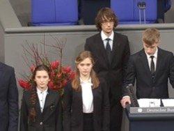 Школьник объяснился за речь о невинно погибших солдатах вермахта?