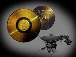 """НАСА выпустило копии записей с золотых пластинок """"Вояджера"""""""