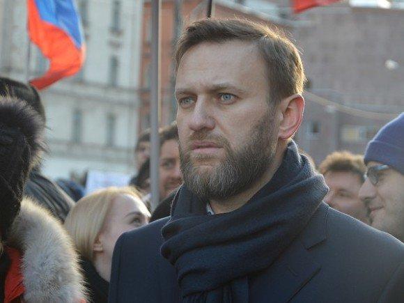 Навальный назвал число собранных для регистрации на выборах подписей