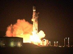 """SpaceX обогнал """"Роскосмос"""" по числу успешных пусков в 2017 году"""