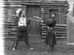 Индейские мужчины издеваются над белой женщиной видео