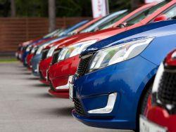 Эксперты: Автомобили могут вести слежку за владельцами