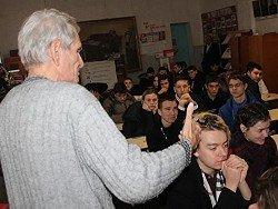 """На юге России запретили игру """"Что? Где? Когда?"""" из-за организатора-оппозиционера"""