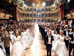 Самое время: Порошенко едет на Венский бал