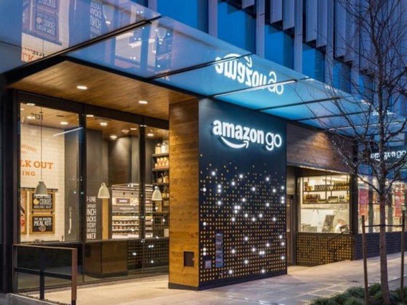 Amazon открыла продуктовый магазин без кассиров и очередей