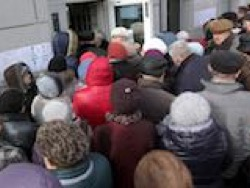 Россияне ударили по банкам: За месяц со счетов утекло 453 миллиарда рублей