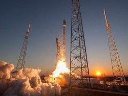 """В США запустили ракету Falcon 9 со спутниками для раздачи """"всемирного интернета"""""""