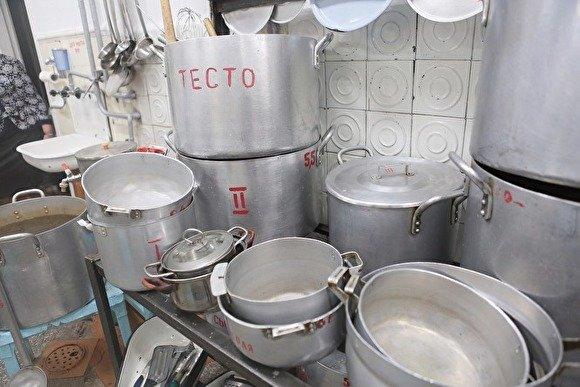 В Пскове задержаны военные, которые продавали солдатскую еду пивбару