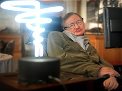 Стивен Хокинг перед смертью предсказал сценарии конца света