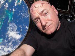 Нет, после года в космосе у Скотта Келли не изменилась ДНК