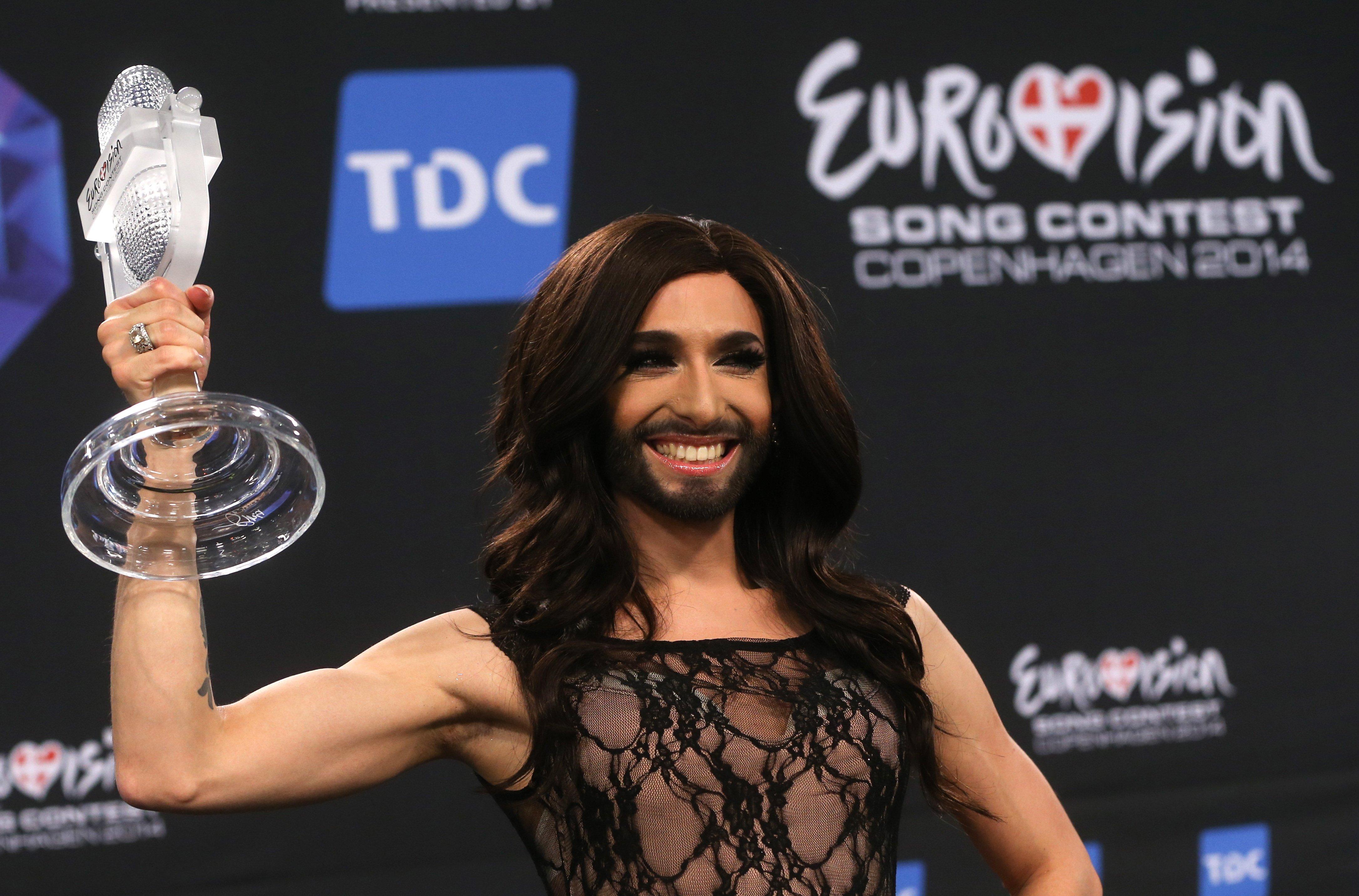 Кончита Вурст заявила о своем положительном ВИЧ-статусе