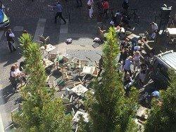 Грузовик протаранил толпу людей в Германии: есть погибшие