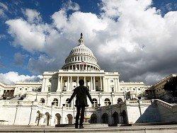 Сенаторы в США потребовали от банков раскрыть связи с окружением Путина