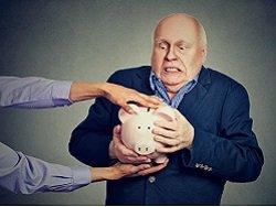 Россиян заставят добровольно копить на пенсию