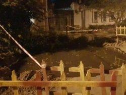 Украина: жители Николаева спасаются от канализационного цунами мешками с песком