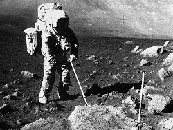 """Почему НАСА прячет """"лунный грунт"""" от всего мира?"""