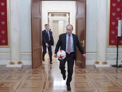 Президент РФ гарантирует достойное проведение Чемпионата Мира по футболу