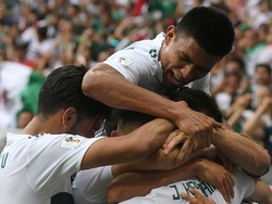 Обыгравшая действующего чемпиона мира Мексика снова победила и вышла в плей-офф