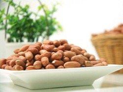 Ученые: Зачать ребенка помогут орехи