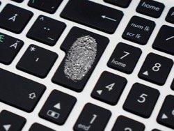 СМИ сообщили о первой с начала года успешной хакерской атаке на российский банк