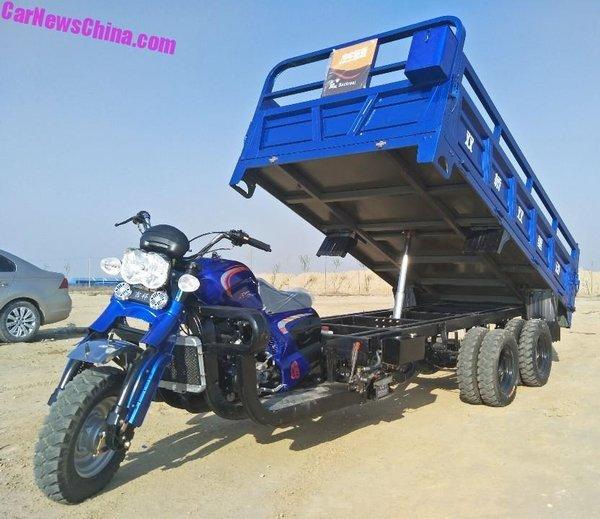 Экзотика: трехосные мотоциклы-самосвалы из Китая