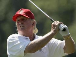 Трамп до встречи с Путиным активно отдыхает на своём курорте и играет в гольф