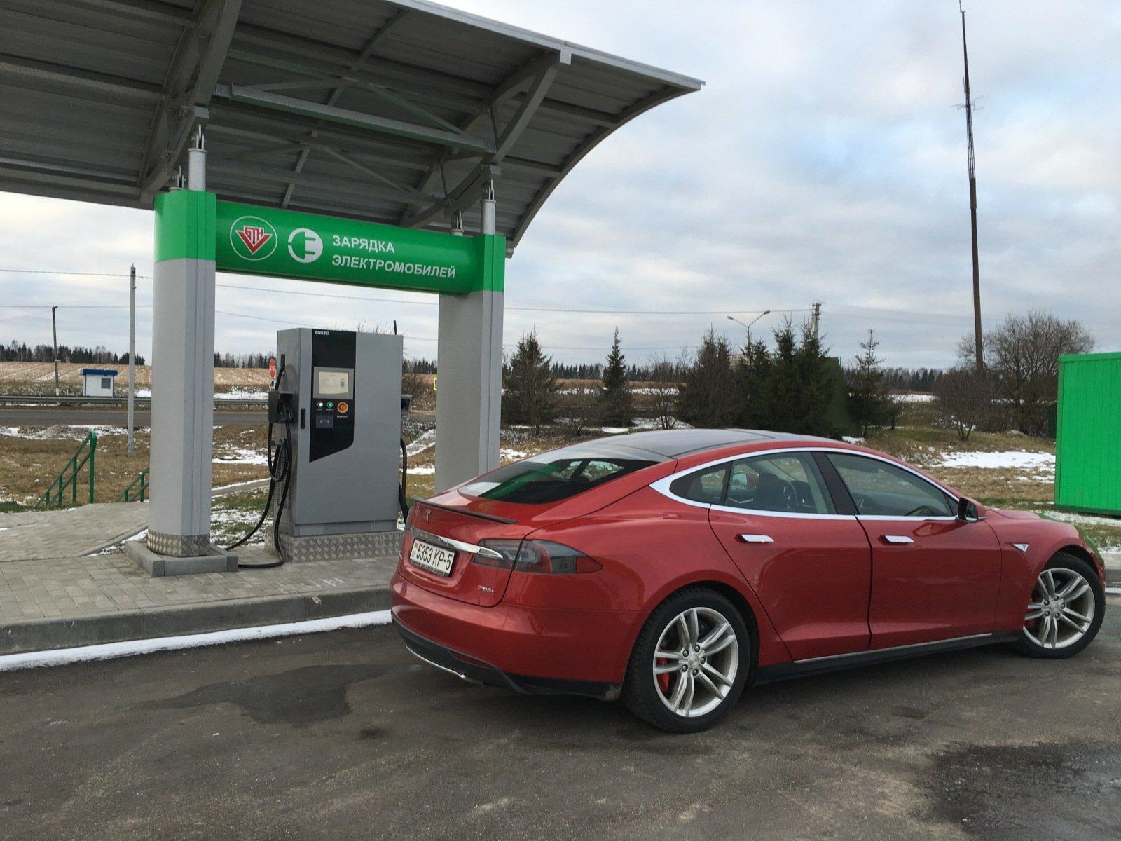 Как белорусы на двух Tesla доехали до Мурманска и вернулись обратно