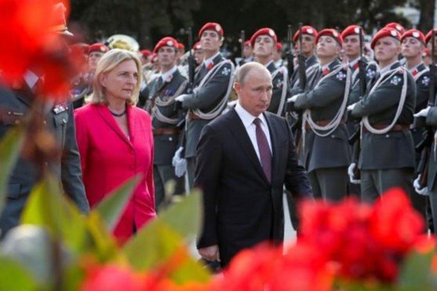 Карин Кнайсль выходит замуж: Путин посетит свадьбу перед встречей с Меркель : Политика Newsland – комментарии, дискуссии и обсуждения новости.