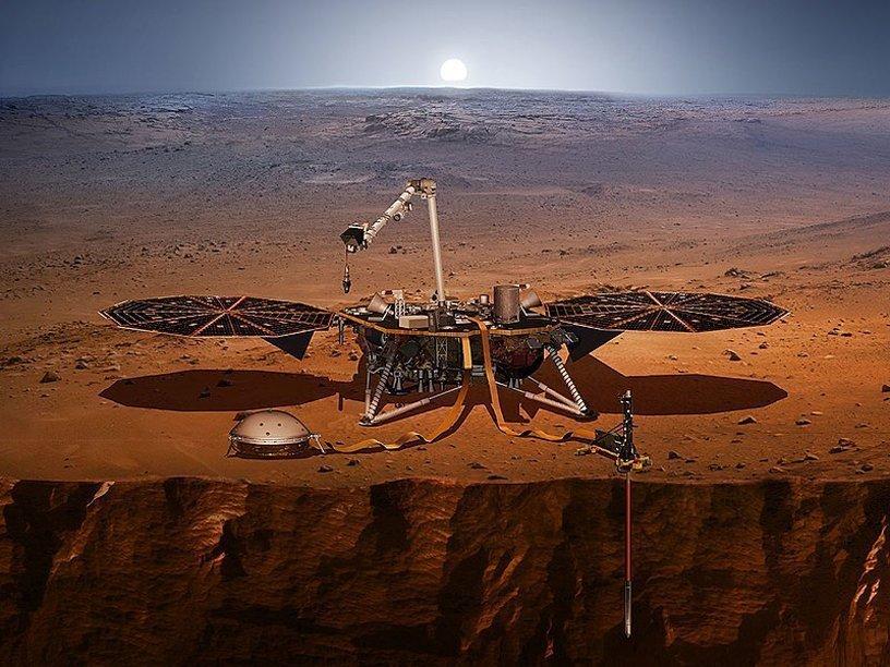 Исследовательский зонд InSight преодолел половину пути к Марсу