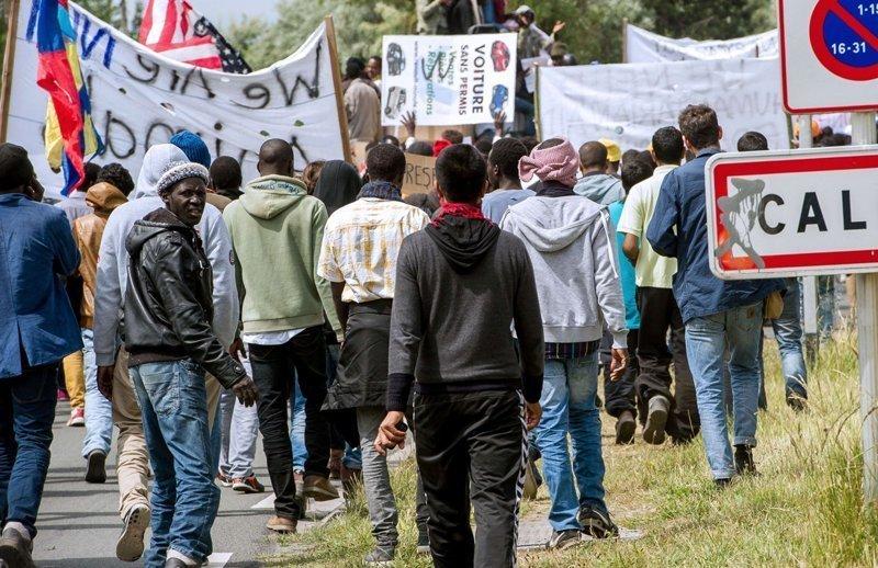 Миграционный кризис: во Франции беженец порезал 7 человек : Общество Newsland – комментарии, дискуссии и обсуждения новости.