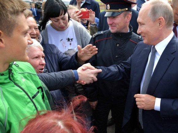 Путин пародирует последнюю советскую утопию : Политика Newsland – комментарии, дискуссии и обсуждения новости.