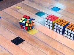Японский инженер создал самособирающийся кубик Рубика