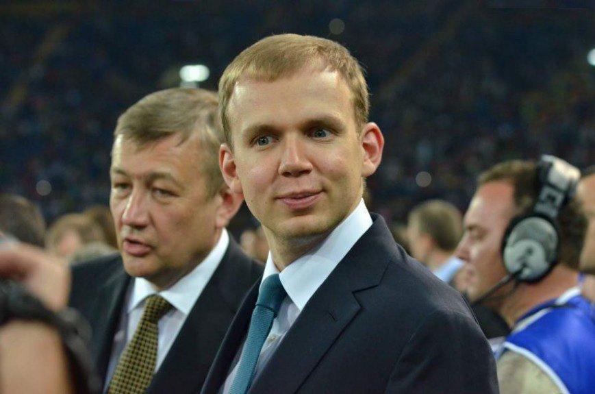 Беглый олигарх из Украины Сергей Курченко отвоевал в России активы Олега Мкртчяна