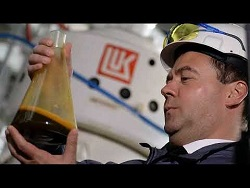Нефть подставила подножку правительству Медведева